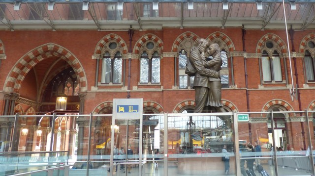 "St Pancras International station; ""The Meeting Place"" Paul Day"