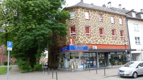 """Jaguarhaus"" Altenessener Straße 425"