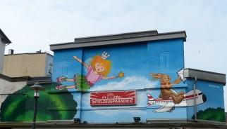 LACKAFEN, Advertesing Mural; Spielzeugparadies; Dreiringstraße 10