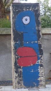 Originalstücke der Berliner Mauer, aufgestellt 09/2017; I. Weberstraße; Thierry Noir