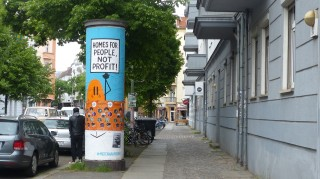 Boxhagener Straße; Litfaßsäule; DAVE THE CHIMP